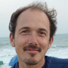 Daniel Holbach
